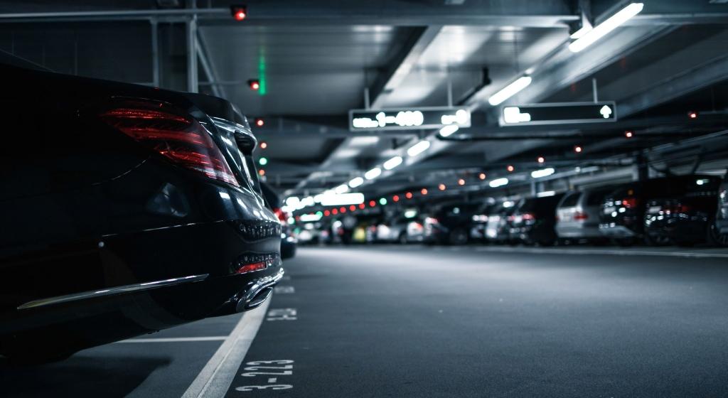 Закрит паркинг за коли